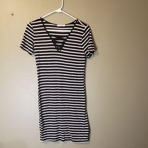 Black and white short sleeve dress